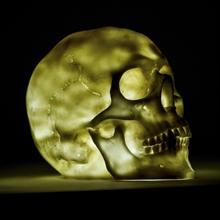 Deko Skull mit LED-Licht